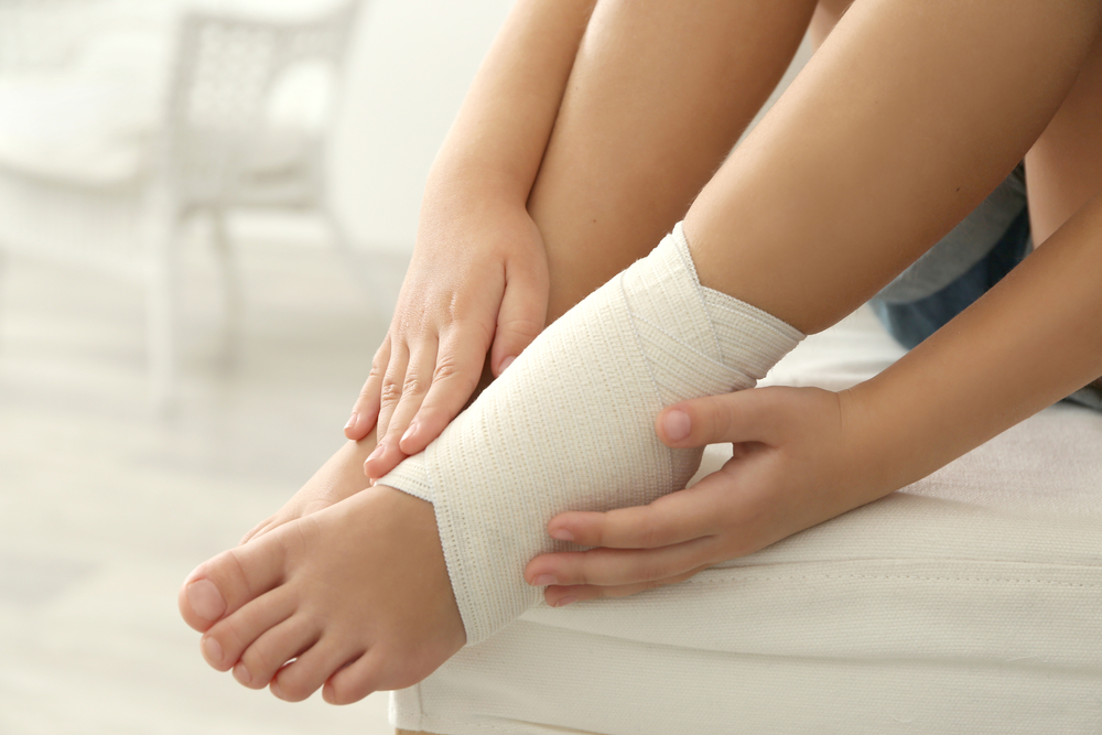 Symptoms of Sprains and Fractures